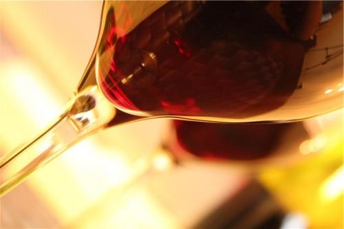 ワインのテイスティングを味・香りをじっくり味わってはいけない