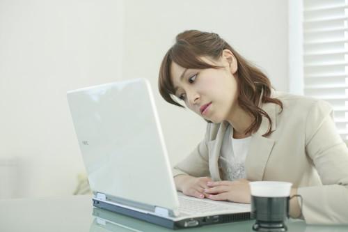 「座りすぎ」は死亡リスクを高め、寿命を縮める?