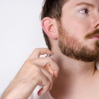 【女性目線で解説】香水をつける男がモテる理由とモテ香水ベスト5